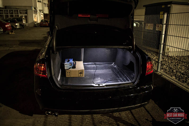 Audi A4 B8 - trunk light after LED upgrade 3