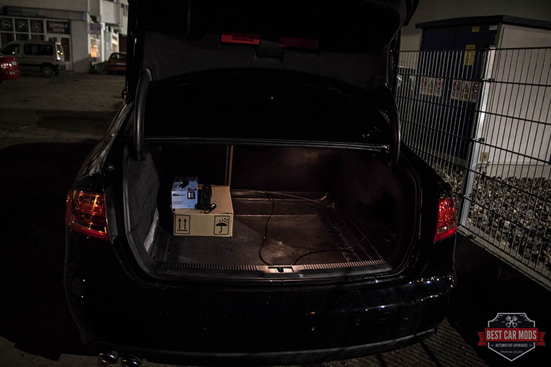 Audi A4 B8 - trunk light before LED upgrade 3