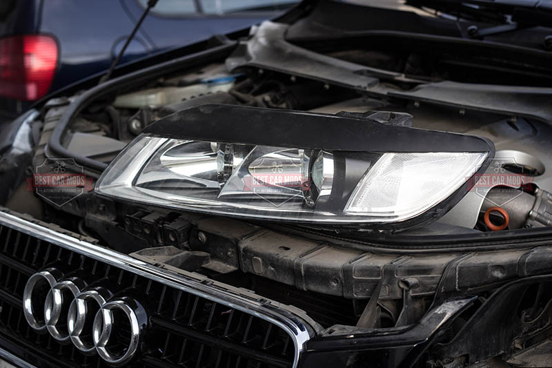 Audi Q7 - Philips D1S - bulb replacement - headlight 2