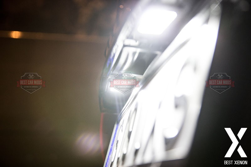 Lumina-Numar-Audi-A4-B8-ALB-LED-detaliu-1